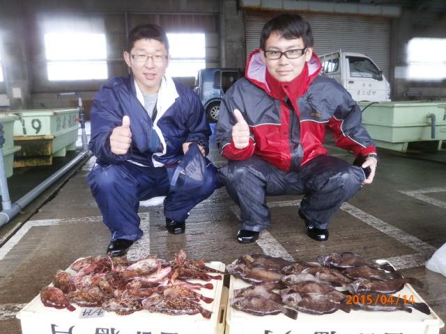 コチラは船釣り初挑戦の岡田さんら!