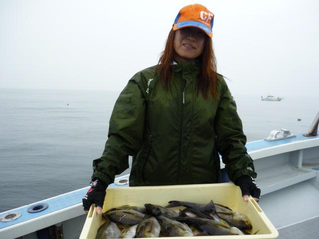 女性アングラ-も釣りまくり!