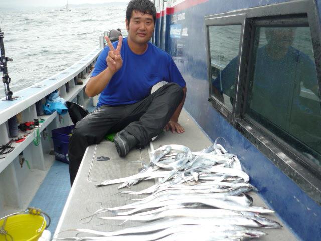 今日のミスタ-はタチウオ釣りです!
