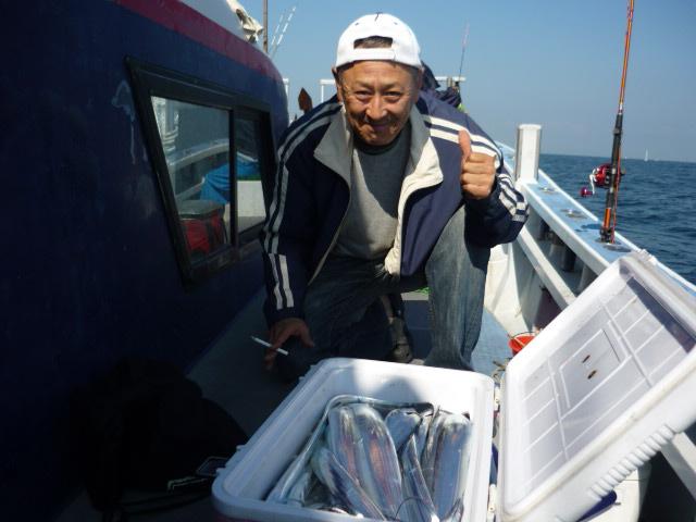 """内田さん!""""船長、なんかタチウオ釣りのコツを掴んだヨッ!""""と!"""