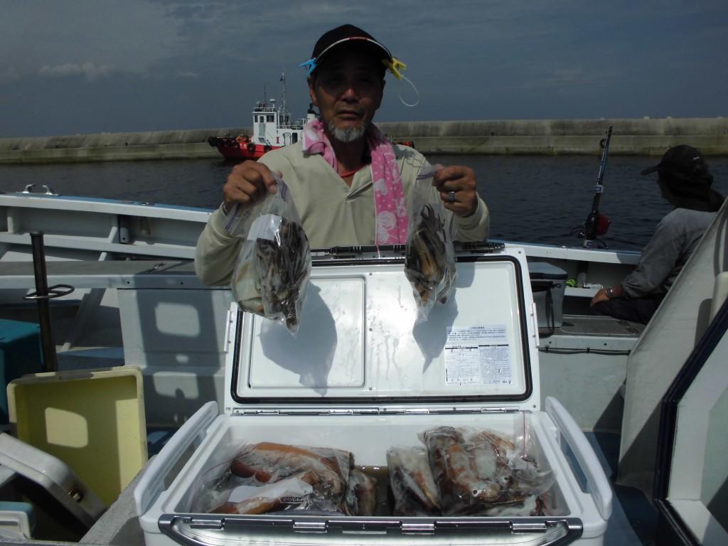 他の釣りはベテランですがイカは初めて!古田さん!