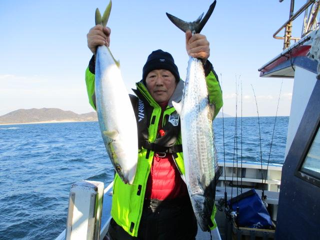 いつもまとばやではエサ釣り専門の番園さんはワラサ&サワラで!